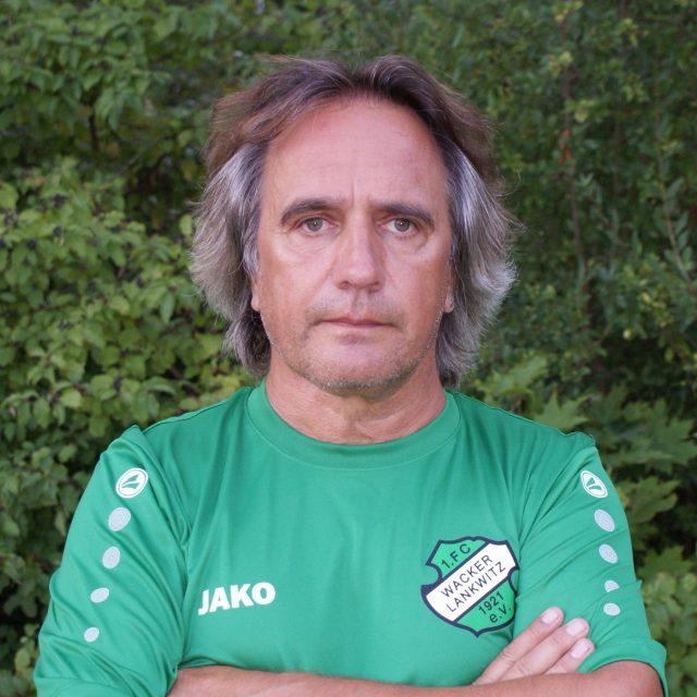 Lutz Hennemann